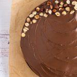 Torta Moka con Nutella y avellanas crocantes.